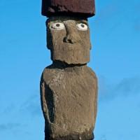 Konstancja potępia neokatechumenat, czyli czeski film  o pigmeizacji✽ narodu polskiego przez kikoidalne ikony z oczami demonów z Moai.