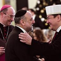 Wymienić epidiaskopek Polin na Episkopat Polski.
